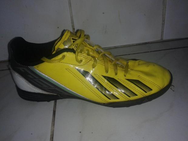 Eladó ÖTÖD-áron! Fiú ADIDAS foci-cipő 4f442f1762